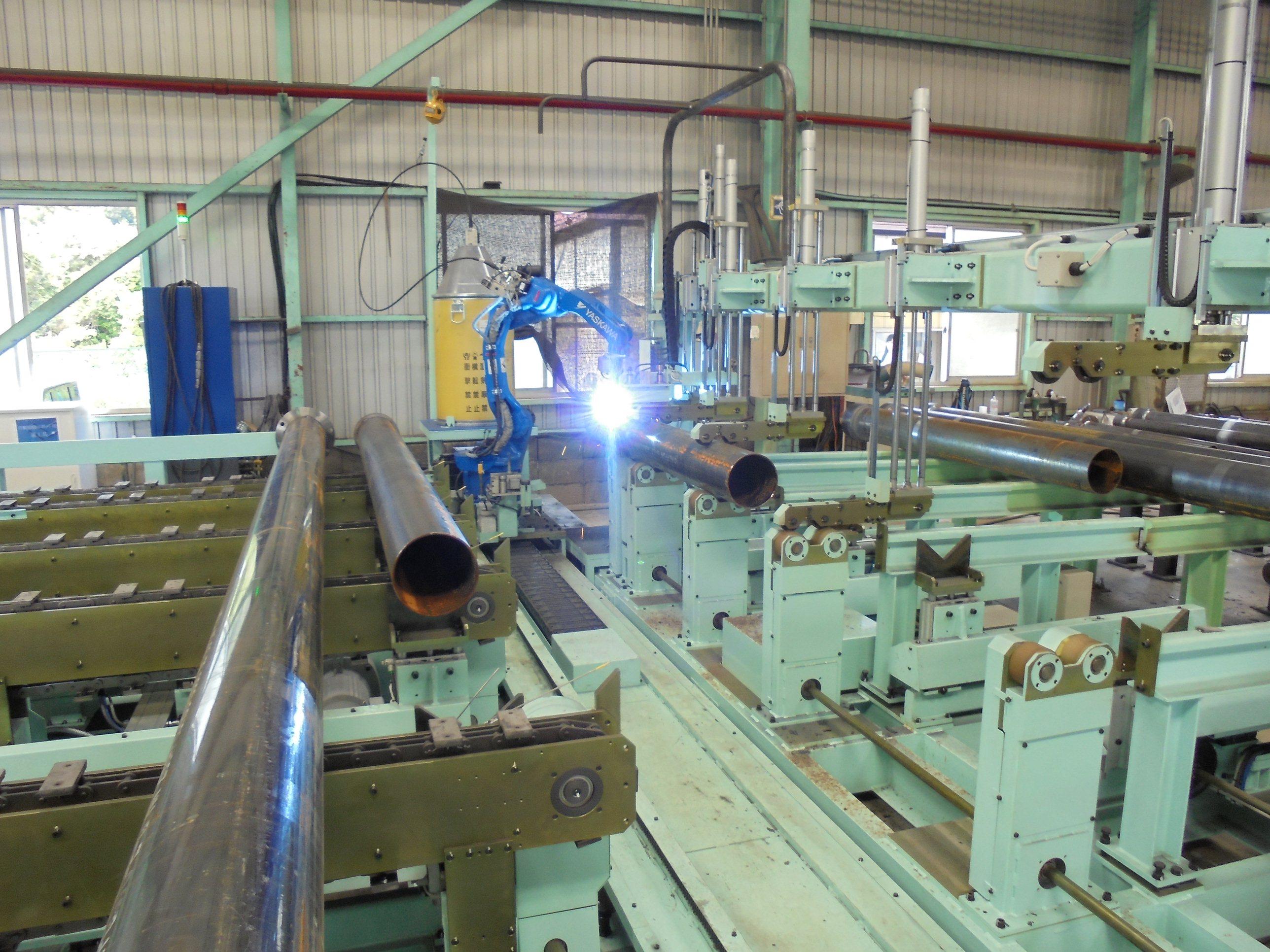パイプ直管自動溶接機を導入 生産性の大幅アップと溶接品質の向上・安定化を実現